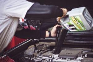 בדיקת שמן מנוע