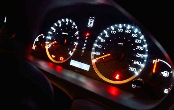 לוח שעונים ברכב